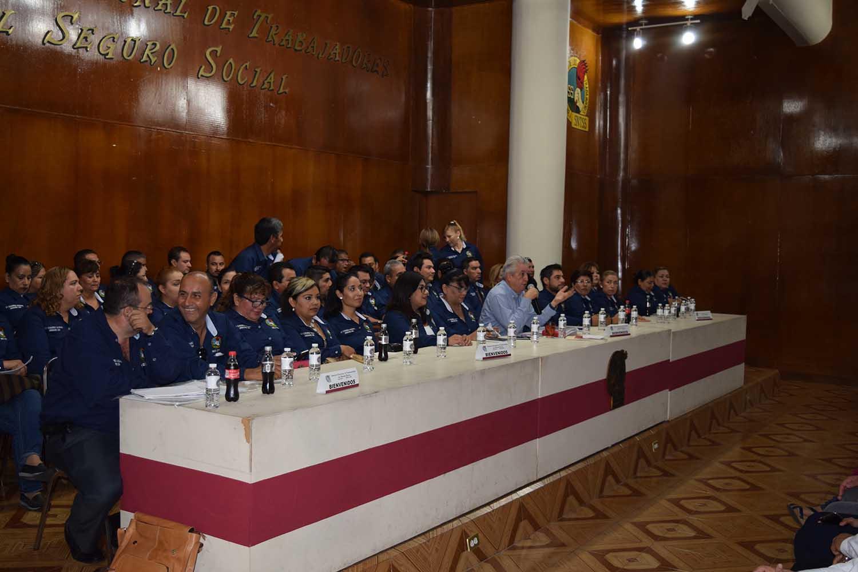Garza Ibarra informa a los Delegados, resolutivos del LV Congreso Nacional Ordinario
