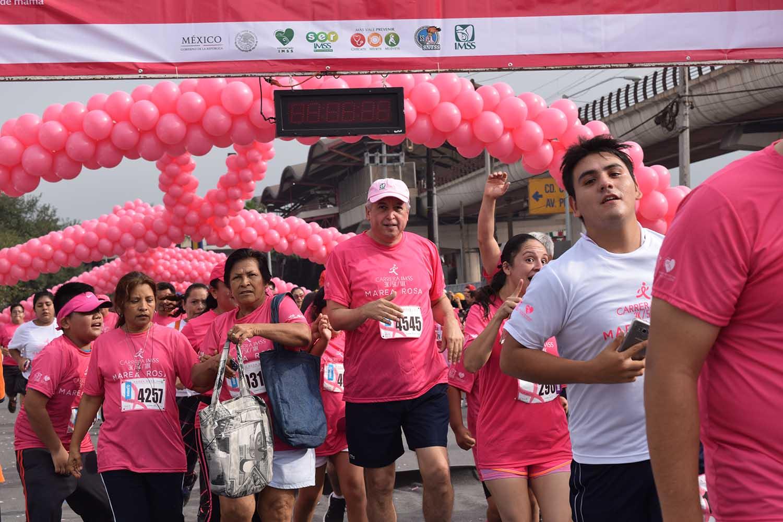 """""""Marea Rosa"""", carrera en favor de la prevención del cáncer de mama"""